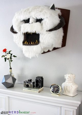 Wall-Mounted-Wampa-Head-DIY